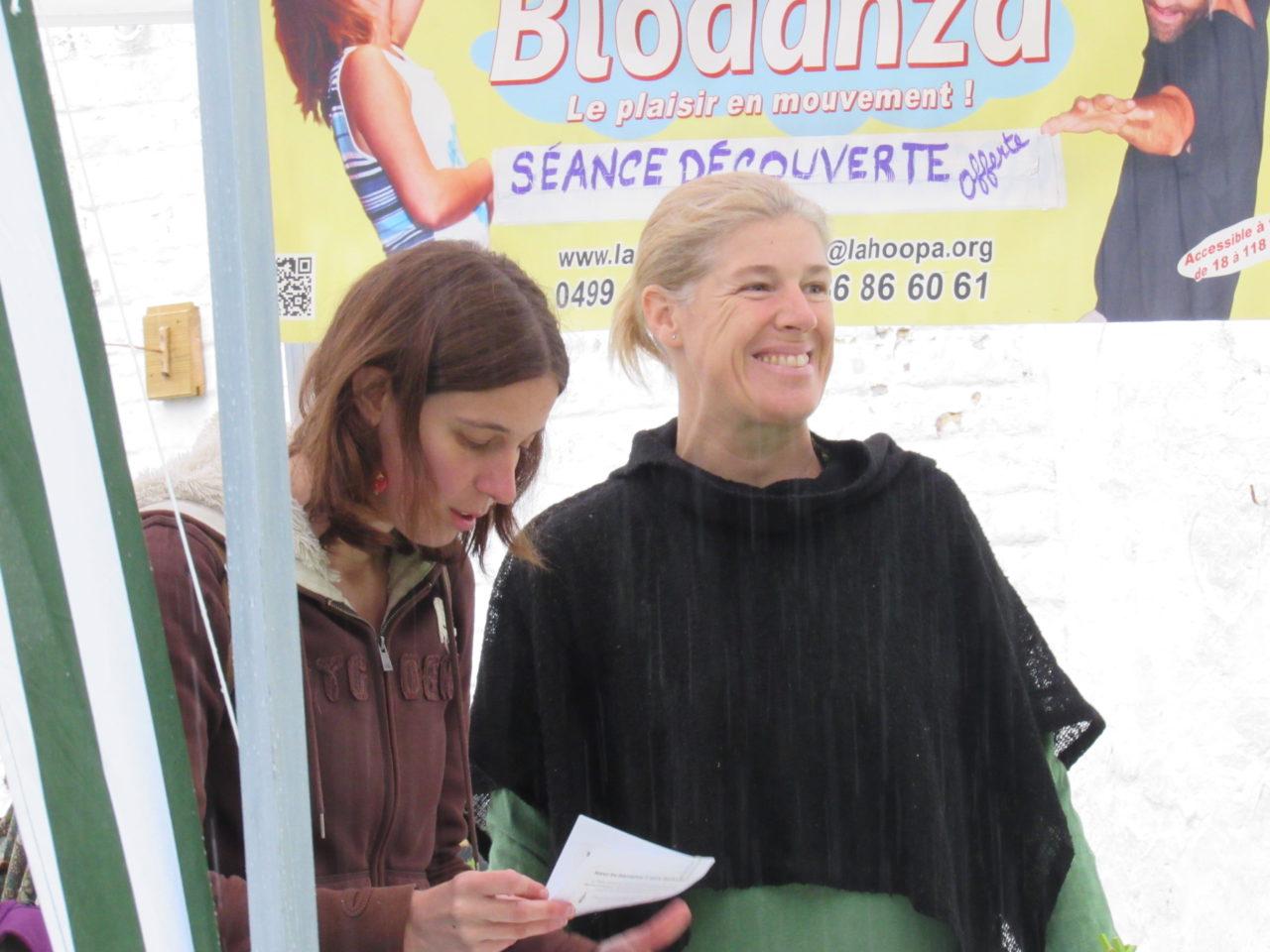 Stands des partenaires de Braine-l'Alleud en Transition Biodanza Fête de la Transition